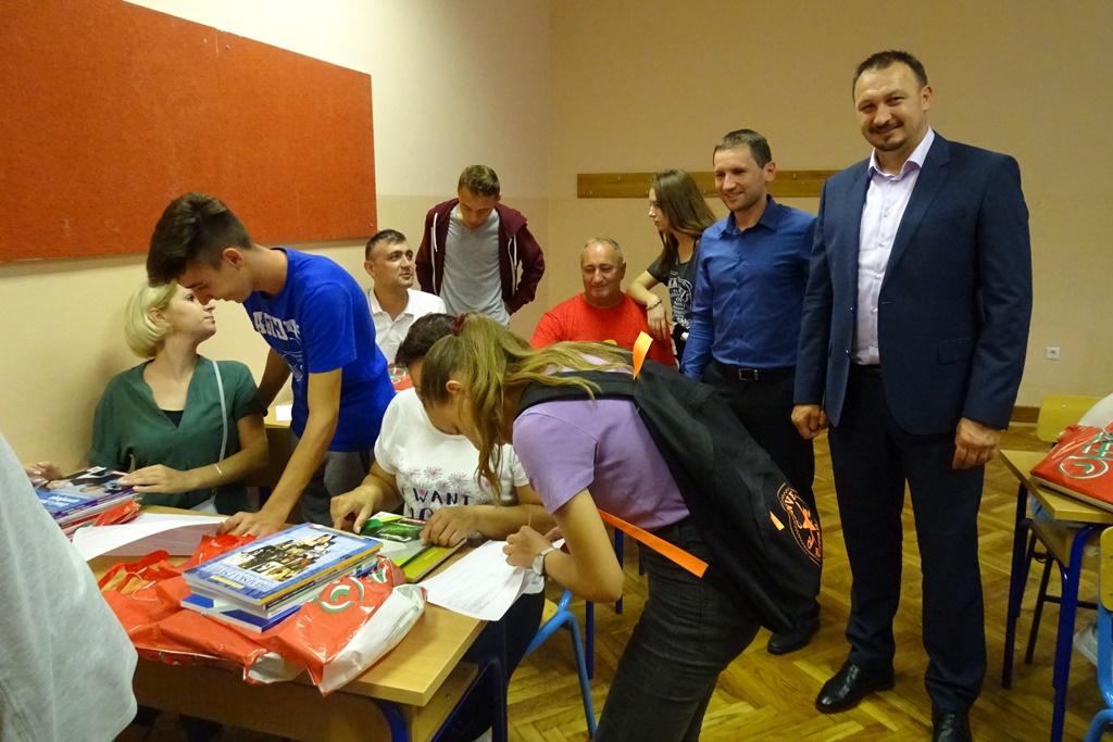 Besplatni udžbenici Srednja škola Novi Marof1