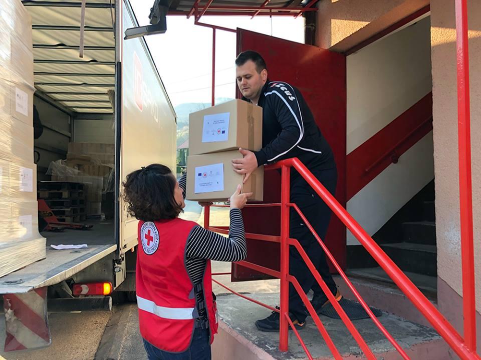 Crveni križ Ivanec paketi