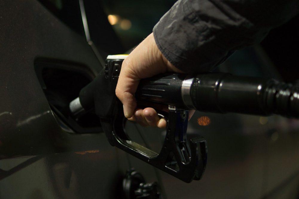 gorivo benzinska tankanje