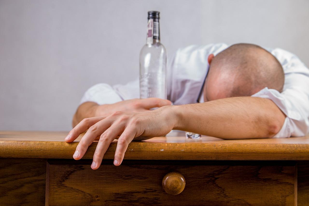 pijan alkohol spava